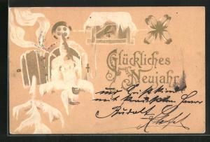 Präge-AK Zwerg schaut aus Fenster, Tannenspitze, Volgelhaus und Kleebaltt, Neujahrskarte