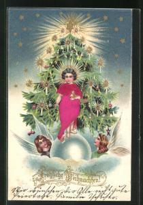 Präge-Lithographie Weihnachtsengel vor Weihnachtsbaum mit Kerzen