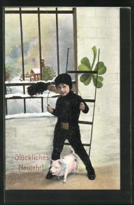 AK Schornsteinfeger Junge mit Schwein und Kleeblatt vor vergittertem Fenster neben Leiter