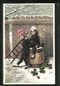AK Schornsteinfeger Kinder sitzen auf Fass im Winter, Kleeblätter