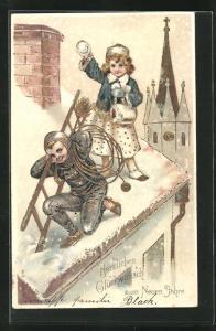 Präge-Lithographie Schornsteinfeger Junge auf schneebedecktem Dach mit Mädchen in Winterkleidung