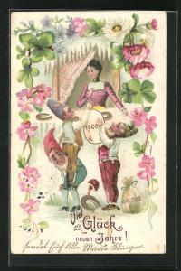 Präge-Lithographie Zwerge reichen Frau am Fenster Geldsack, Hufeisen, Kleeblätter, Blumen