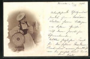 AK Schankmaid mit Schützenscheibe