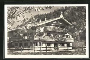 AK Bayrischzell, Gasthaus zum Oberbrunner im Frühling