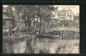 AK Strausberg-Vorstadt, Annatal mit Wasser, Holzbrücke und Ruderboot