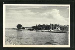 AK Plau i. M., Blick vom Ufer auf das Seglerheim