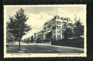 AK Bad Homburg v. d. Höhe, Strassenpartie Kaiser Friedrich-Promenade mit Hotel