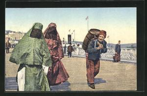 AK Constantinople, Dames turques, Türkische verschleierte Frauen