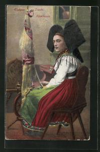 AK Elsässer Tracht, Junge Frau sitzt arbeitend am Spinnrad