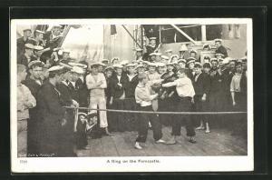 AK Boxer messen sich bei einem Kampf auf einem Kriegsschiff, A Ring on the Forecastle