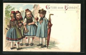 Künstler-AK Kinder in hessischer Tracht mit Mützen, Puppe, Brezel, Schirm
