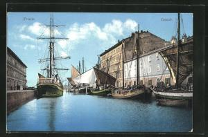 AK Trieste, Canale mit Segelschiffe an Kaimauer