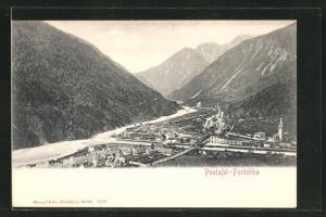 AK Pontafel, Totalansicht über Häuser, Fluss, Brücke, Kirche und Tal mit Gebirge