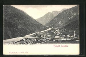 AK Pontafel, Totalansicht über Tal mit Gebirge, Häuser, Fluss, Brücke und Kirche