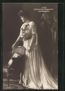 AK Portrait I. K. H. Prinzessin Rupprecht von Bayern in langem Gewand mit Blumen am Dekollete