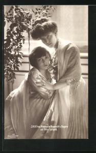 AK J. K. H. Frau Prinzessin Rupprecht von Bayern mit Erbprinz Luitpold an Fenster