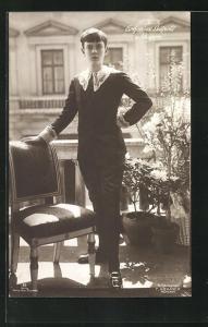 AK Erbprinz Luitpold von Bayern in dunklem Anzug mit Spitze und Schnallen an den glänzenden Schuhe
