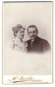 Fotografie H. Jacob, Uelzen, Portrait bürgerliche Eheleute