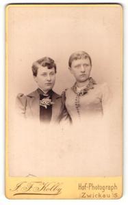 Fotografie J. F. Kolby, Zwickau i/S, Portrait zwei junge Frauen