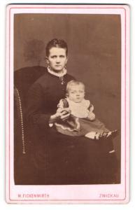 Fotografie M. Fickenwirth, Zwickau, Portrait Dame mit Kleinkind