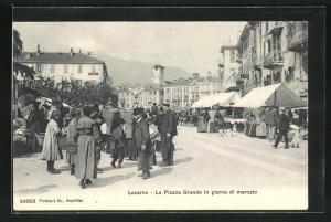 AK Locarno, La Piazza Grande in giorno di mercato