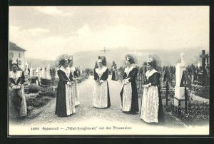 AK Appenzell, Täfeli-Jungfrauen vor der Prozession