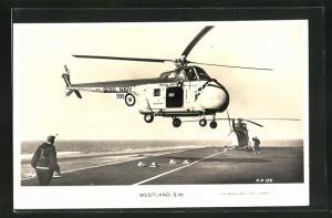 AK Hubschrauber Westland S-55 landet auf dem Flugzeugträger H.M.S. Ark Royal