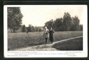 AK Tolstoi und ein Herr gehen spazieren