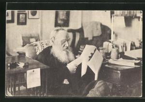 AK Portrait Tolstoi beim Lesen