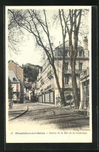AK Plombieres-les-Bains, Entree de la Rue de la Prefecture