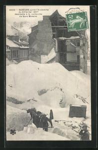 AK Bareges, Habitants a la recherche de leurs Maisons apres l`Avalanche 1907