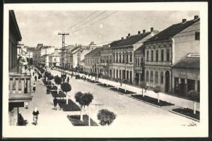 AK Sabac, Strassenpartie mit Gebäudeansicht