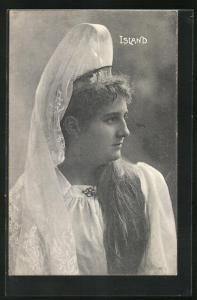 AK Island, junge Frau in Tracht