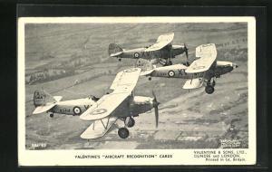 AK Flugzeug Hawker Hinds auf Feinflug