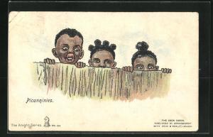 AK Afrikanische Mädchen und Jungen blicken heimlich über einen Zaun, afrikanische Volkstypen