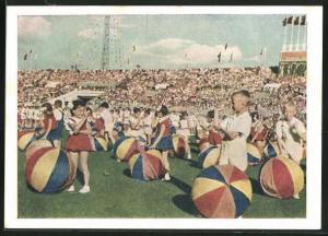 AK Moskau, Turnfest 1954, Kinder mit Bällen