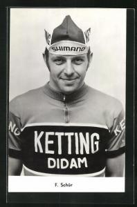 AK F. Schür, Radrennfahrer in Trikot mit Mütze
