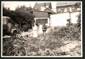 Fotografie Fotograf unbekannt, Ansicht Solingen, Merscheider Str. 99, Lastwagen LKW Henschel, Baustelle Öllager Esser