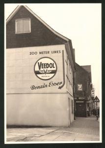 Fotografie Fotograf unbekannt, Ansicht Solingen, Merscheider Str., Tankstelle August Esser, Schild mit Veedol Reklame