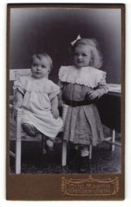 Fotografie Otto Martin, Dresden-Löbtau, Portrait zwei Kleinkinder