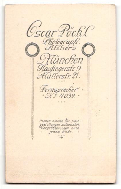 Fotografie Oscar Pöckl, München, Portrait Herr mit Zwirbelbart u. Krawatte im Anzug 1