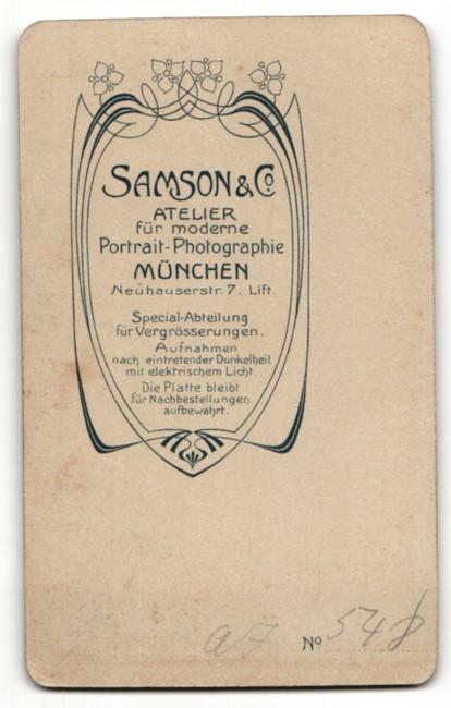Fotografie Samson & Co, München, Portrait junge Dame im eleganten Kleid mit Ohrringen 1