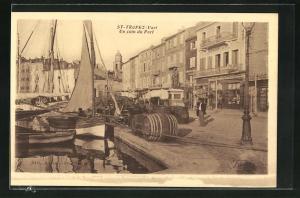 AK St-Tropez, Un coin du Port