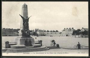 AK Rennes, Le Monument et la Place du Champ-de-Mars