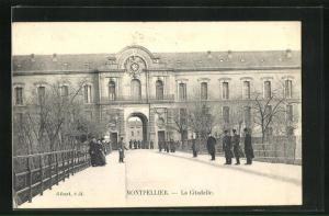 AK Montpellier, Soldats devant la Citadelle