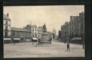 AK Angers, La Place de la Visitation, Boutiques et Monument