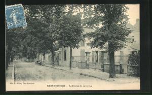 AK Chef-Boutonne, L`Avenue de Javarzay