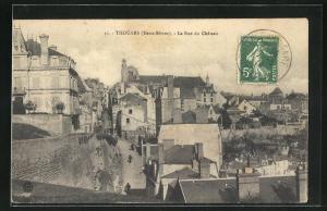 AK Thouars, La Rue du Chateau, Strassenpartie