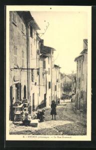 AK Hyéres, La Rue Bourneuf