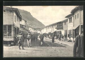 AK Skutari / Shkodra, im alten Türkenbasar, im Hintergrund das Kastell